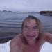 Pēc rīta peldes pirmajā sniegā