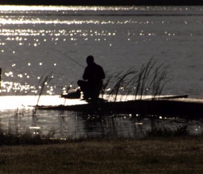 Rīts pie ezera