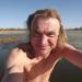 Pēc peldes ezeriņā 13. aprīļa rītā