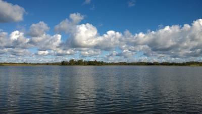 Viļakas ezers 29. septembrī Miķeļos