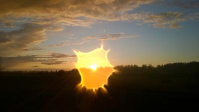 Degt saulrietā
